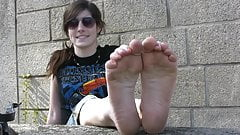 french barefeet girl