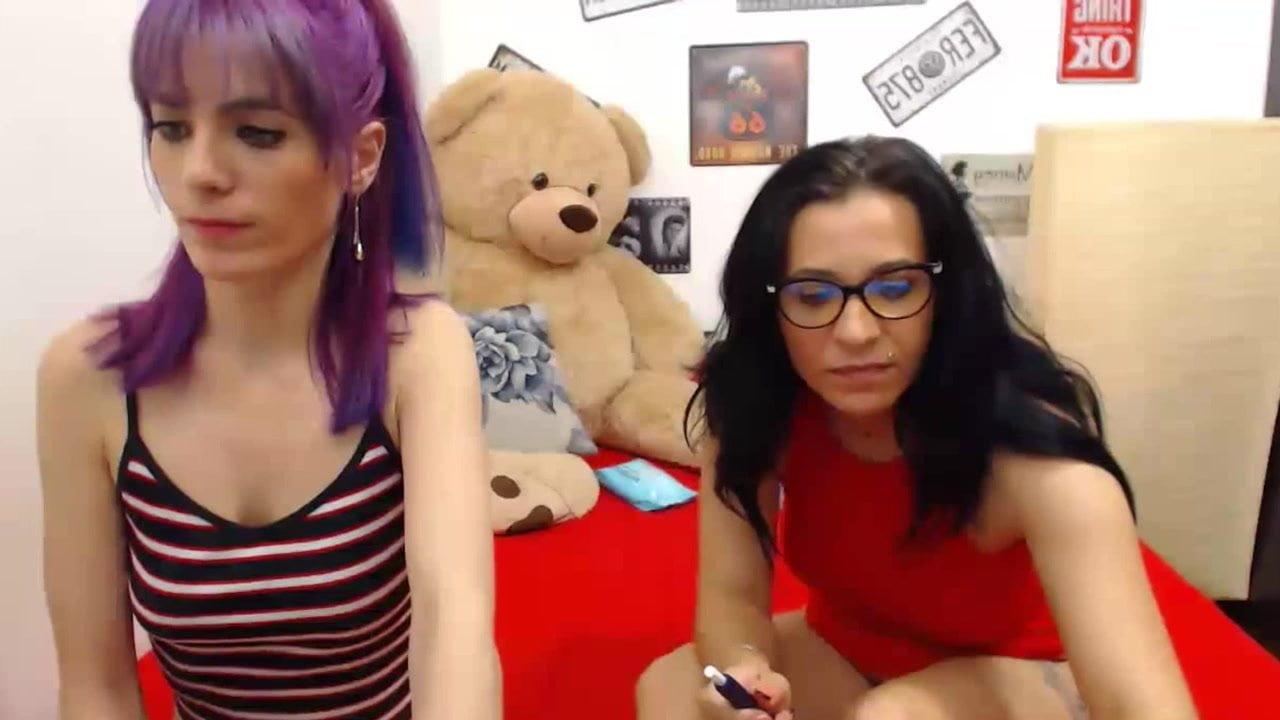 Foot fetish lesbian babes having fun