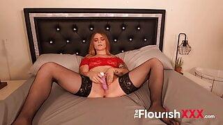 Dallas newbie Blonde shows how to cum hard POV vibrator play