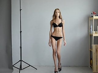 Extremely skinny nude models Extremely skinny girl in castings
