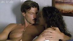 Nicole Grimaudo ops  coño  peludo en película italiana