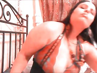 Dirty pussy girls Ginger paris testing her new black dick inside dirty pussy