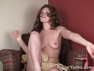 Free hairy links muff redhead - Excited lori toying her shaved muff
