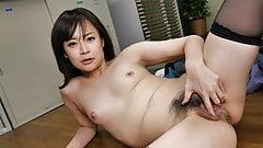Japanisches Büro-Mädel Asuka Kyono hatte Sex, unzensiert