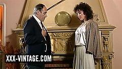 Unfaithful wife Helena Mirelli in a vintage threesome