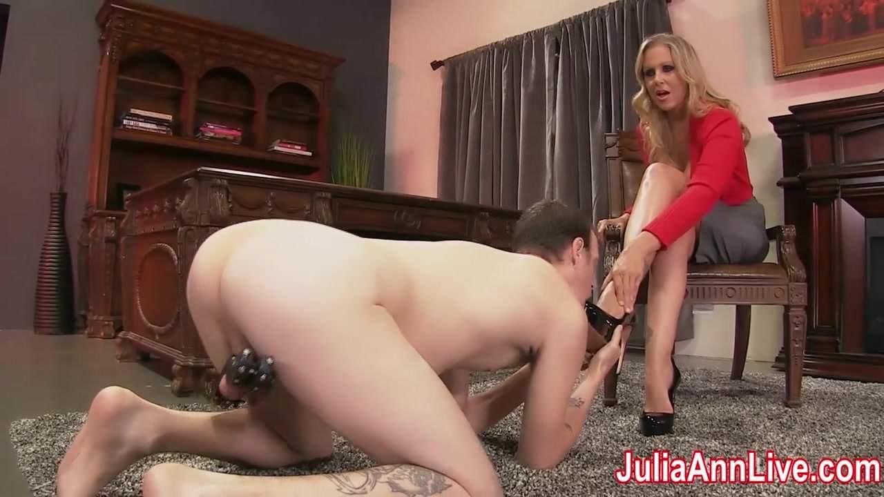Julia Ann Licking