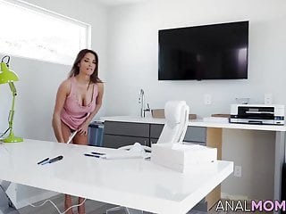 Boy gives mom anal creampie Voluptuous anissa kate enjoys riding dick with her butt hole