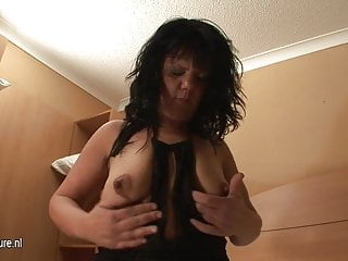 Place shemale Mature mother squirts all over the place