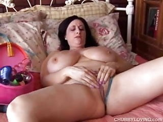 Cunt with large lips Sexy chubby chick has lovely large boobs and huge pussy lips