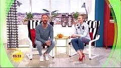Karen Heinrichs feiert in enger Jeans und High Heels
