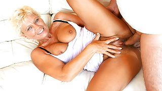 Hairy Nympho Grandma Lisa Has Rough Fuck With Hung Young Guy