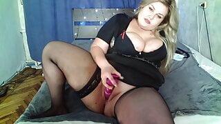 Blonde BBW shows her juicy figure