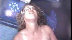 ぽっちゃりリードヘッド妻がオーガズムと潮吹き