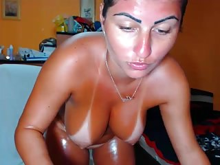 Oily nude Oily body nude showing on webcam