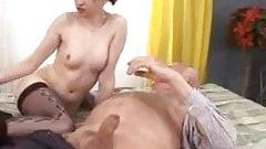 RUSSIA - Papy prend son pied avec une Jeune Russe
