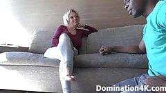 Adorare i morbidi piedi di dee williams