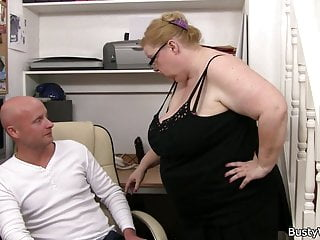 Dick harris glass paperweight Heavy lady boss with glasses rides his dick