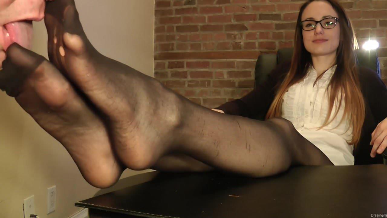 Mistress Nylon Feet Worship
