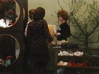 Immigration service vintage - Lesbian service