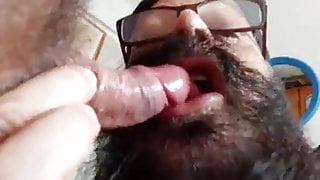 Bearded cum eating