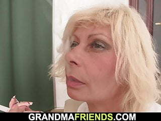Mommy sucks pussy - Blonde mommy sucks and rides at same time