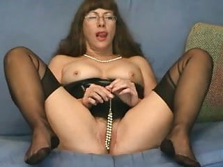 Fetish computer game - Pussy games in cam by a mature fetish lady in ffs nylons