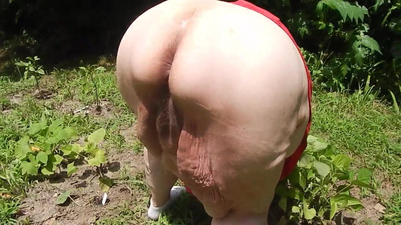 Bent Over In The Garden Free New Tube Hd Porn E5 Xhamster
