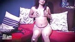 Bengalski dziewczyna nago strzelać