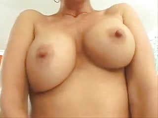 Large-scale boobs Mom with large pussy lips big boobs