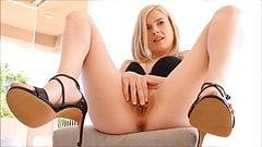 Blond slut fingering and dildoing her pussy