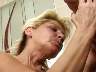 Mature german cum facial Geile reife renate fickt in der badewanne