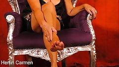 Самые горячие ноги и ступни бабушки!