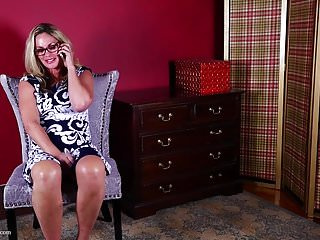 Amatuer phone sex videos - Real mature mom having phone sex