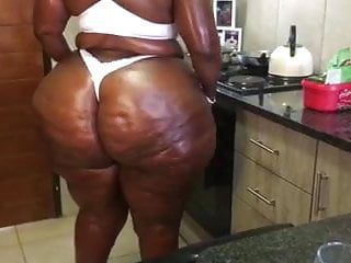 African dick shakin Thick booty shakin
