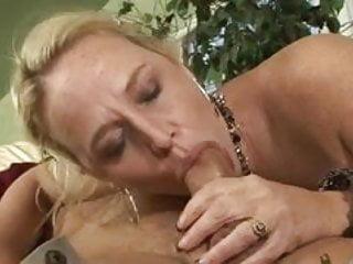 The siren nude - Hardcore cougar dee siren jizzed tits