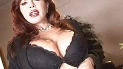 Сексуальная Vanessa трахается анально и сосет хуй досуха