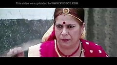 Bhojpuri Actress showing her Cleavage