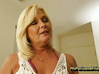 Mommy pissing - Mommy is such a good taboo teacher