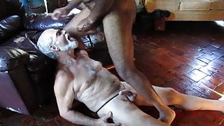 BBC cums in White Daddy's mouth (GBMblowncumsESv01)