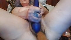 Milf toying her hairy asshole and cunt on webcam