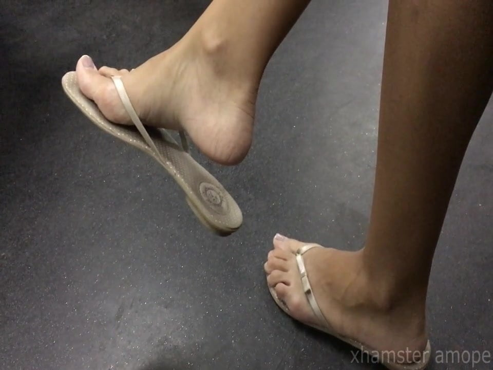 Girl Masturbating Showing Feet