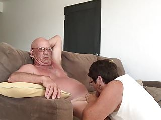 Audrey hand job - Wife giving blow hand job in cabo