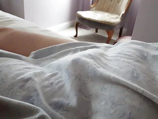 Twin peak 42ff linda bbw - Sneaky peak of her tired natural soft hairy pussy mound