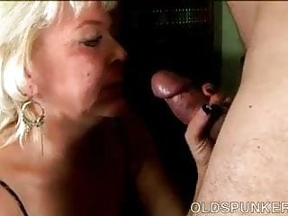 Super sexy haze - Super sexy old spunker gives an amazing sloppy blowjob