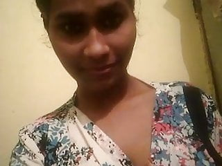 Tamil sexy girl - Tamil babe showing tits in a sexy style