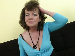 Mother daughter pussy shave - Mature 55yo mother harriet shaving her hairy pussy