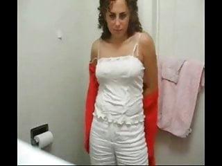 Perso photos sex Ma maitresse me fait une video perso dans ses toilettes