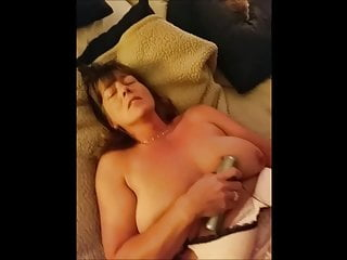 Women playing with themselfes sex videos