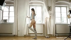 Brunette gymnast Anna Netrebko in Prague spreading legs