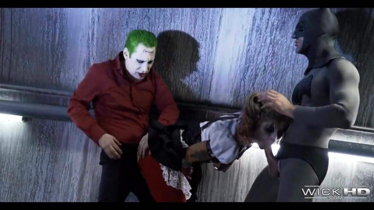 Free download & watch threesome with batman and joker         porn movies